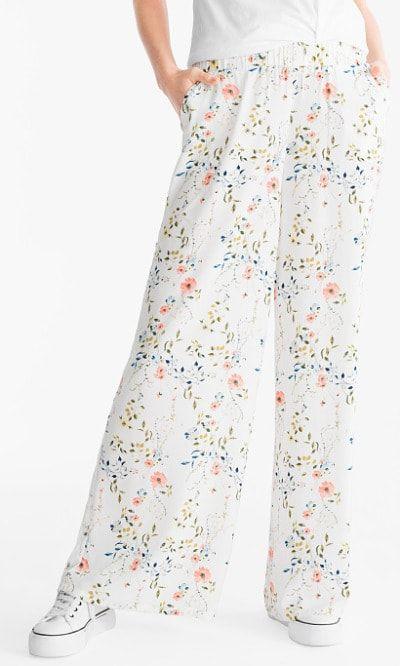 Pantalones vaporosos de color blanco