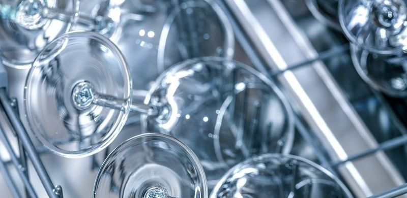 8 cosas que no hay que lavar en el lavavajillas