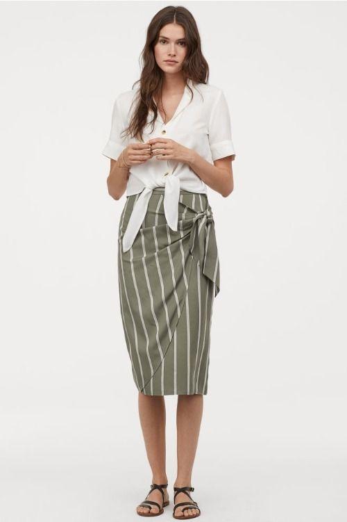 Falda drapeada con estampado de rayas verticales