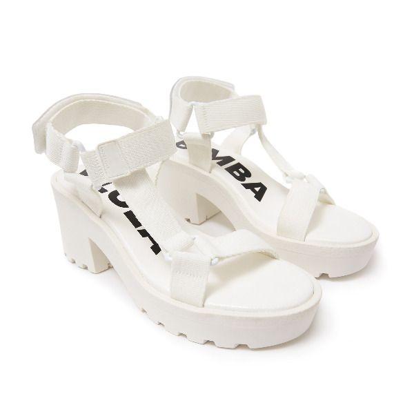 Sandalia de tacón blanco