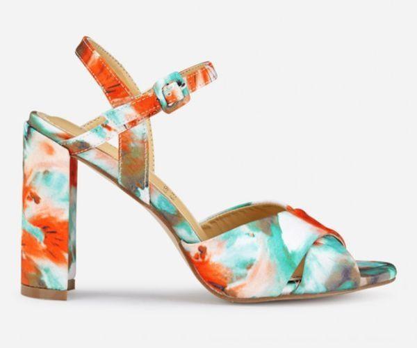 Sandalias de tacón alto con print floral