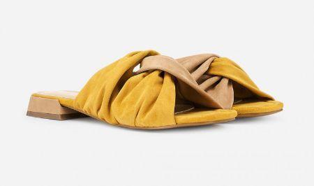 Sandalias planas anudadas amarillas