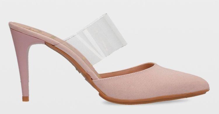 Zapatos de tacón con vinilo transparente