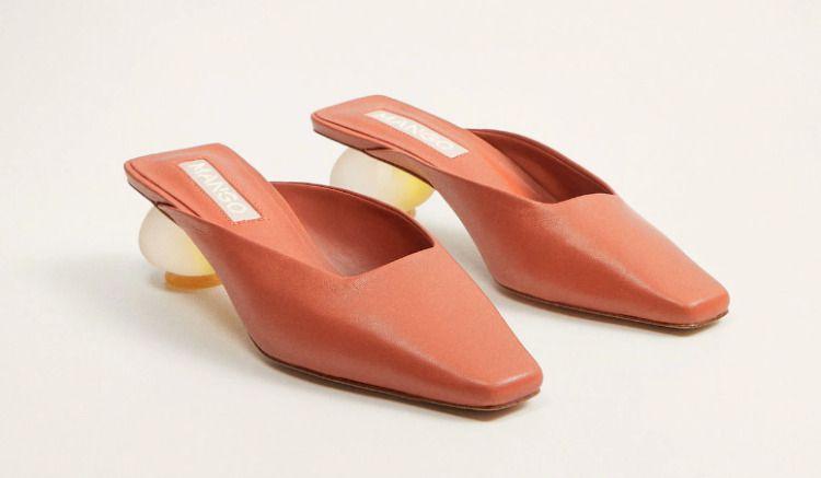 Zapatos de piel destalonado con tacón geométrico