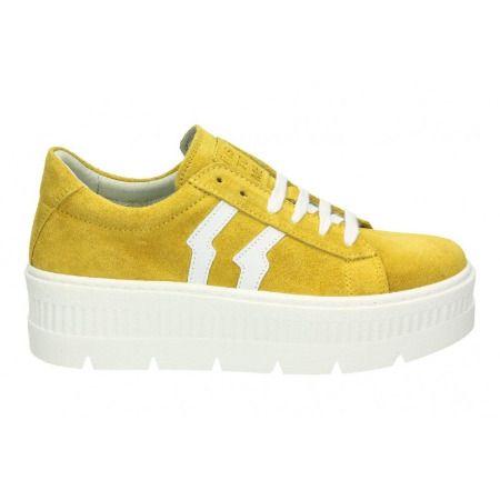 Zapatillas amarillas de Megacalzado para el Otoño 2019
