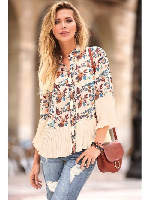 Blusa plisada con print de flores para el Otoño 2019