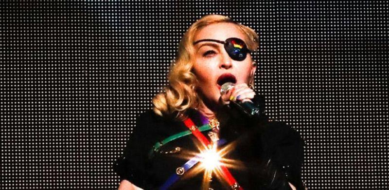 El truco de belleza de Madonna: beber orina