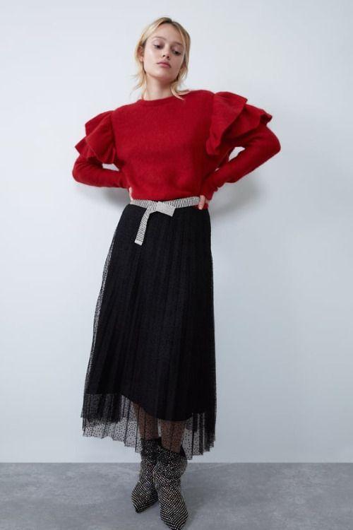 Falda plisada negra de tul de Zara