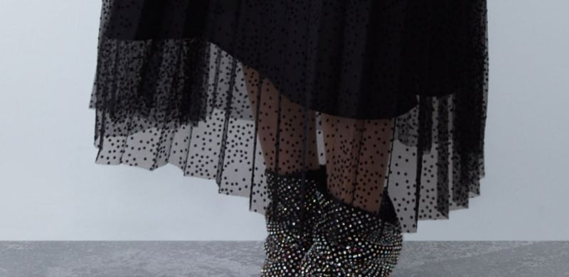 Faldas plisadas negras de Zara para el Otoño 2019