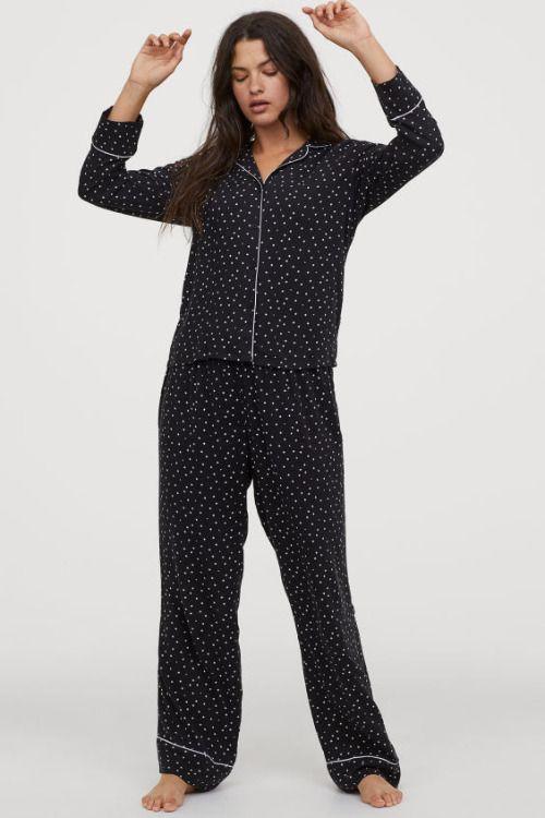 Pijama de camisa y pantalón con estampado de lunares de H&M