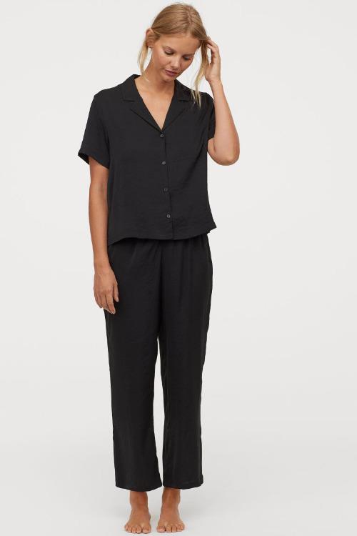 Pijama de satén negro de HM