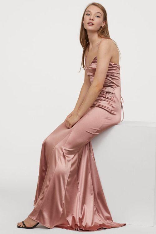Vestido entallado en punto elástico con brillo de HM para la Navidad 2019