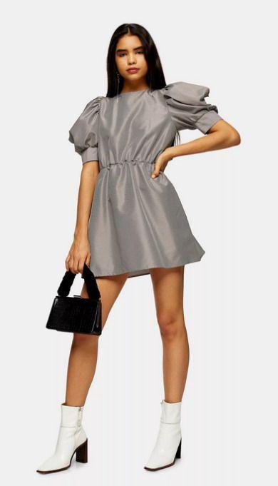 Vestido gris corto con mangas abullonadas