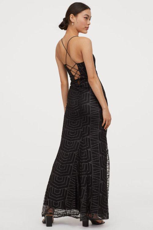 Vestido largo brillante negro de HM para la Navidad 2019