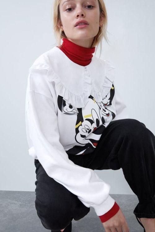 Sudadera de Mickey Mouse con volantes de Zara