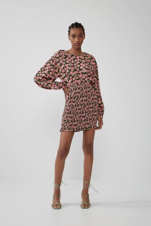 Vestido elástico con print floral y mangas abullonadas