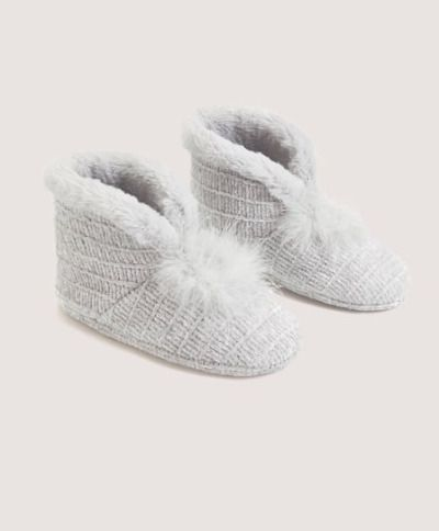 Zapatillas tipo botines con pelo de Oysho