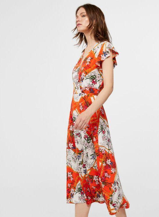 Vestido midi con estampado floral de Cortefiel / 17,99 euros