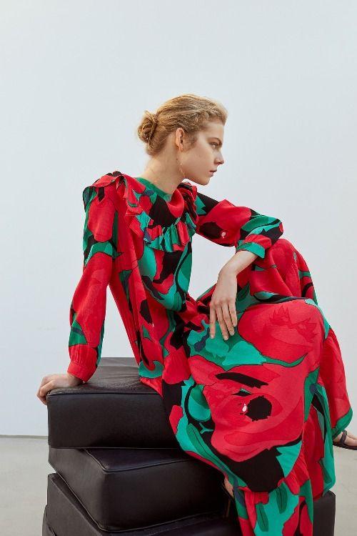 Vestido con estampado de flores de Sfera