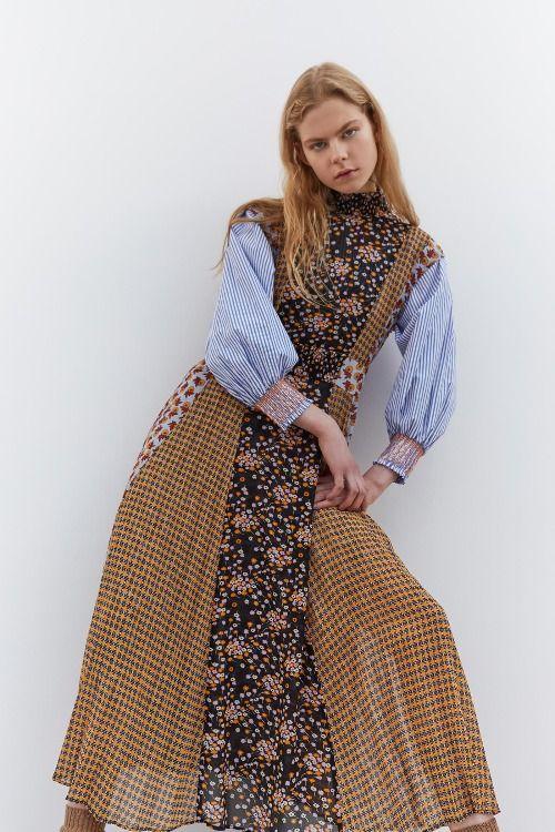 Vestido con mix de estampados y mangas abullonadas de Sfera