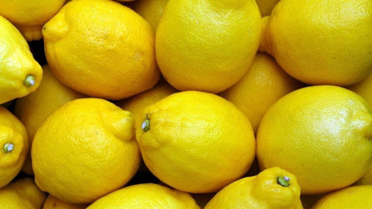 Limpiar el horno con productos naturales: limón