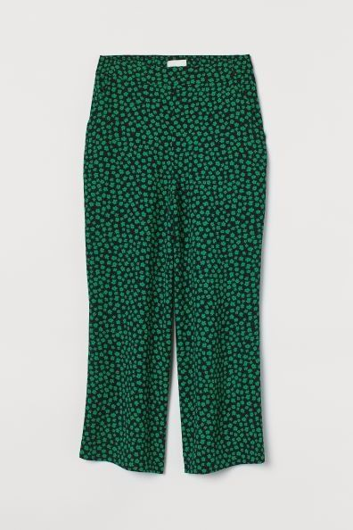 Pantalón cropped con estampado floral de H&M