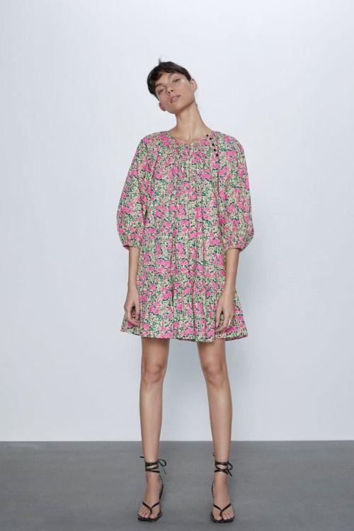 Vestido con volumen y estampado floral de Zara