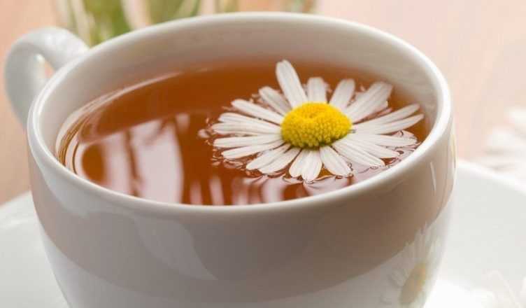 5 infusiones relajantes naturales para dormir mejor