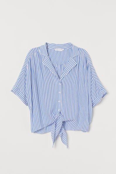 Camisa con bajo anudado y estampado de rayas de H&M