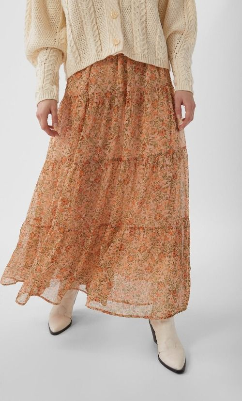 Falda larga con estampado de flores de Stradivarius