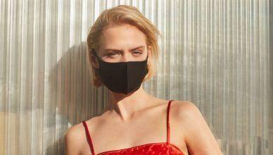 Las modelos de los catálogos de Zara y Bershka aparecen con mascarilla