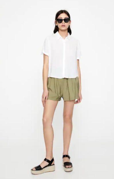 Pantalones cortos fluidos con goma a la cintura
