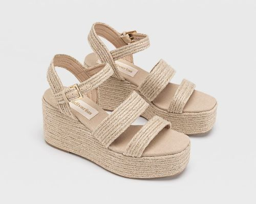 Sandalias de rafia trenzada