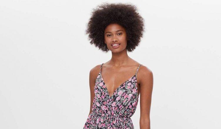 Los vestidos de flores de Bershka más bonitos para el verano