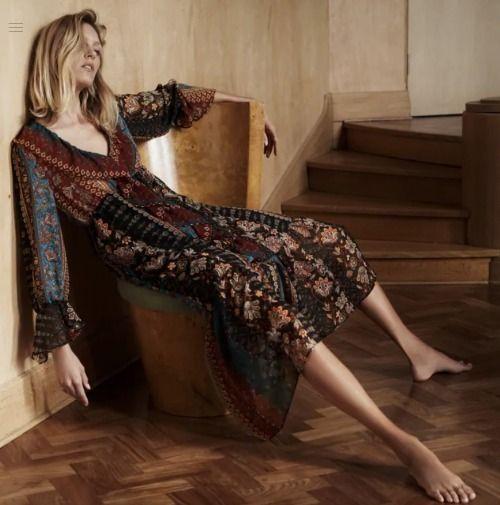 El vestido con estampado de patchwork de Zara que todas necesitamos en nuestro armario este otoño