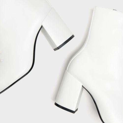 Botines de estilo victoriano blancos