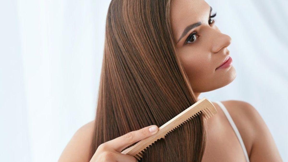 Cómo cuidar el pelo encrespado después del verano