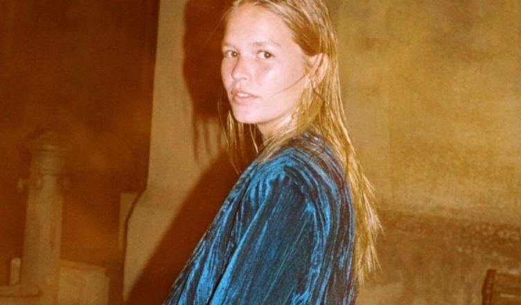 El traje de terciopelo de Zara para el mejor look de noche