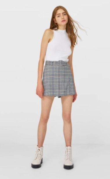 Falda pantalón de cuadros con cinturón