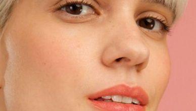 Lápiz de labios Brillo y Nutrición de Yves Rocher