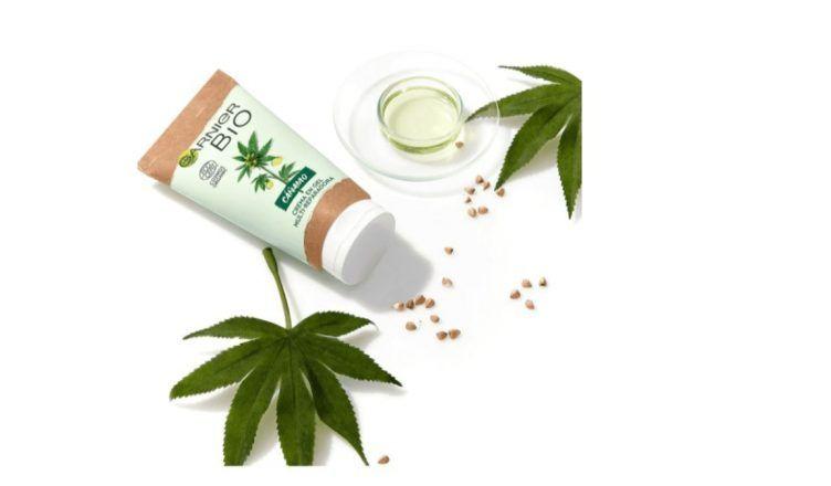 La crema multi-reparadora de cáñamo de Garnier Bio para pieles estresadas