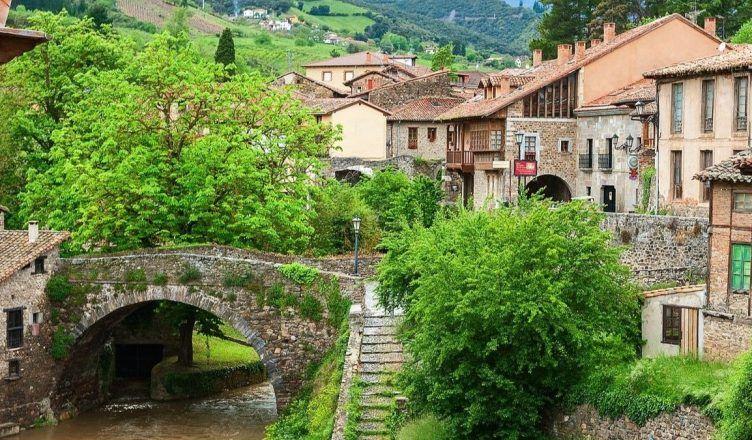 Los 5 pueblos más bonitos de los Picos de Europa para una escapada en otoño