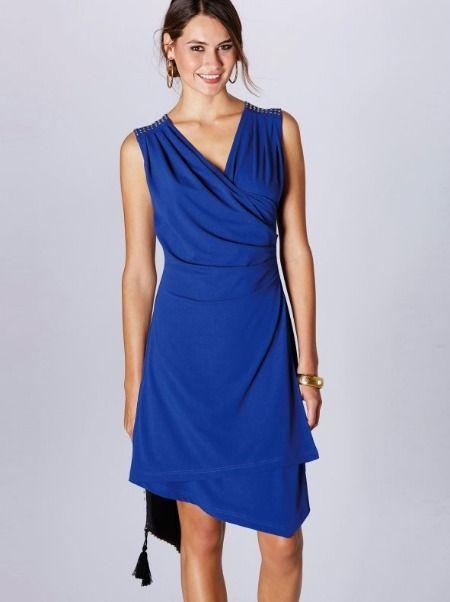 Vestido con escote cruzado en color azul