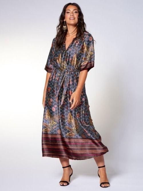 Vestido largo de satén con estampado geométrico