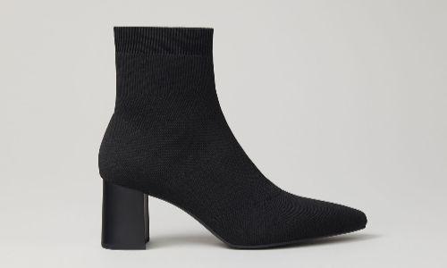 Botines estilo calcetín de color negro
