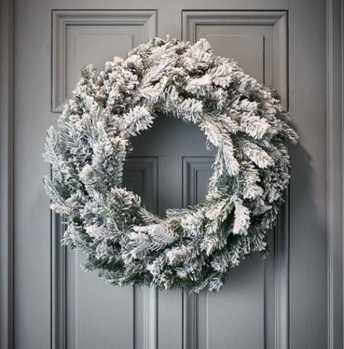 Corona efecto nevado de Navidad