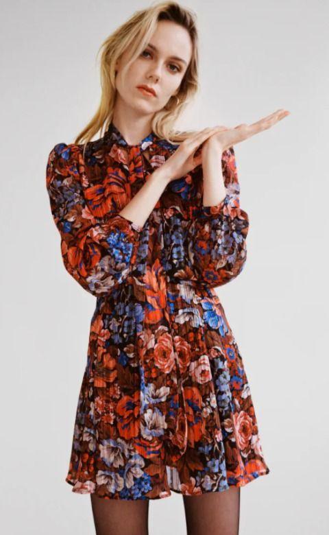 Vestido plisado con estampado floral