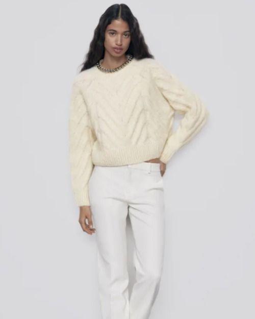 Jersey de lana con detalle de cadena