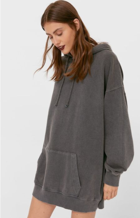 Vestido corto con capucha