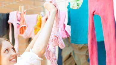 Cómo tender la ropa para no planchar